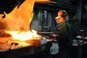 Verfahrenstechnologen Metall: Ein Facharbeiter
