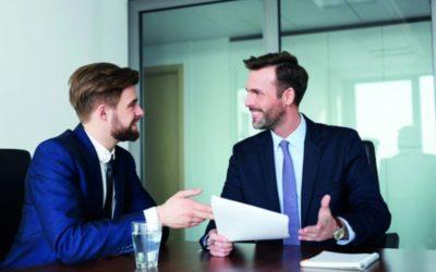 Schweigepflicht im Job – Bloß nicht den Arbeitsplatz riskieren