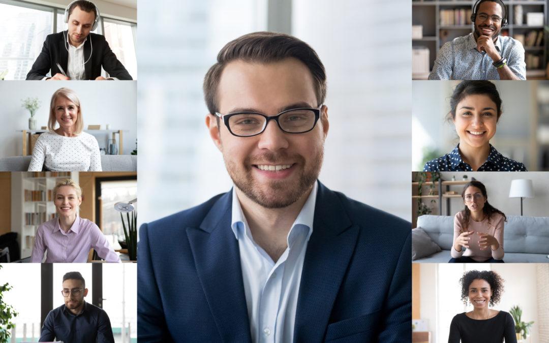Ein Unternehmensmeeting erfolgt als Online-Videokonferenz